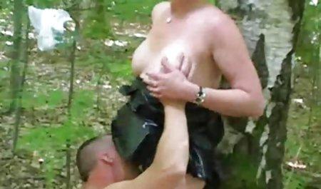 Perawat MILF video semi bokep barat Dee Williams Drools sambil mengisap ayam besar