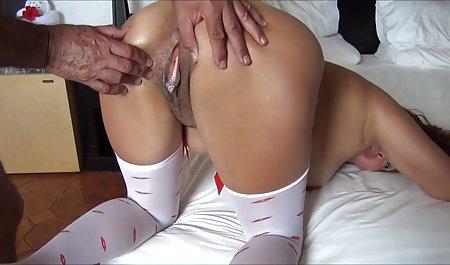 Menggoda cewek seksi stroke kontol di kamar mandi film bokep hot