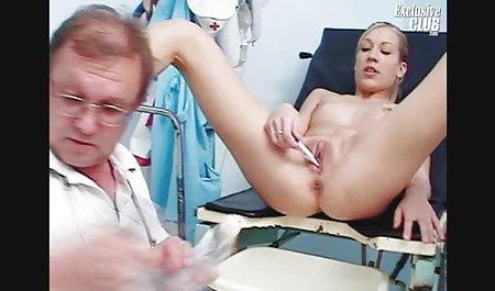 Toket besar wanita gemuk pelacur Kiki mendapat bercinta dengan penis film bokep kungfu kecil