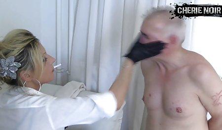 Cewek seksi tubuhnya begitu bokep mom montok seksi