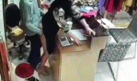 Muda menggoda tukang pijat situs film bokep kemaluan