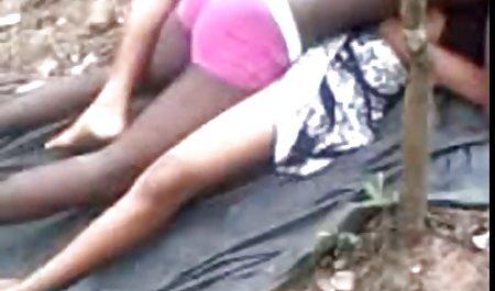 Gadis cantik Masturbasi di video bokeb tarzan tempat tidur